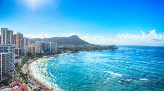 ハワイ のワイキキビーチ